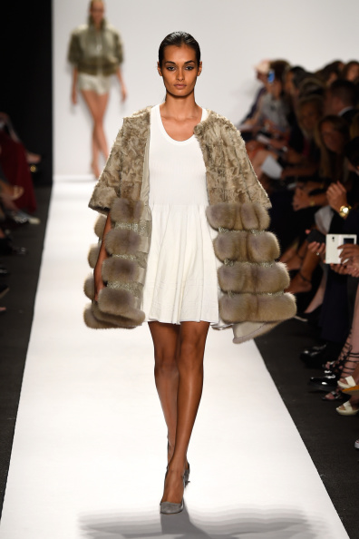 Модная зимняя одежда: стильные образы. Фото: Frazer Harrison/Getty Images