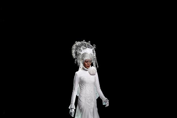 Показ ісламського жіночого вбрання: фестиваль моди в Куала-Лумпурі. Фото: MANAN VATSYAYANA/AFP/Getty Images
