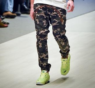 Модные мужские брюки 2015. Фото: Maxim Malinovsky/Getty Images