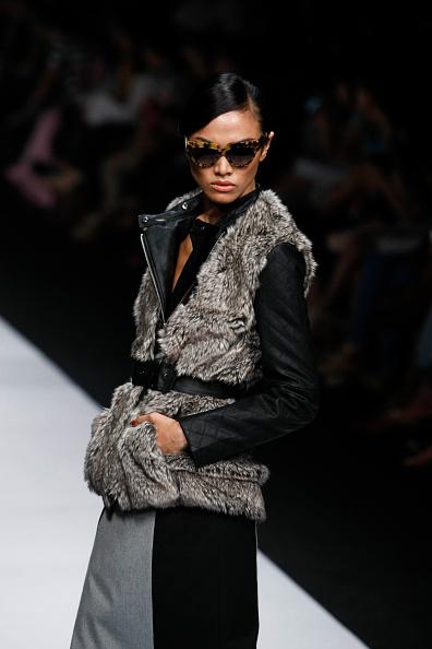 Модная зимняя одежда: стильные образы. Фото:   Ulet Ifansasti /Getty Images