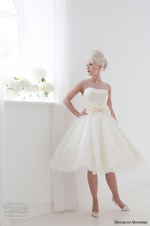 Короткие свадебные платья. Фото: weddinginspirasi.com