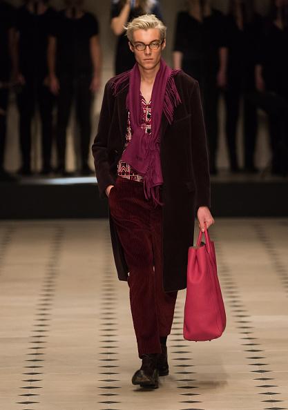Лондонское шоу мужской моды бренда Burberry. Фото: Ian Gavan/Getty Images