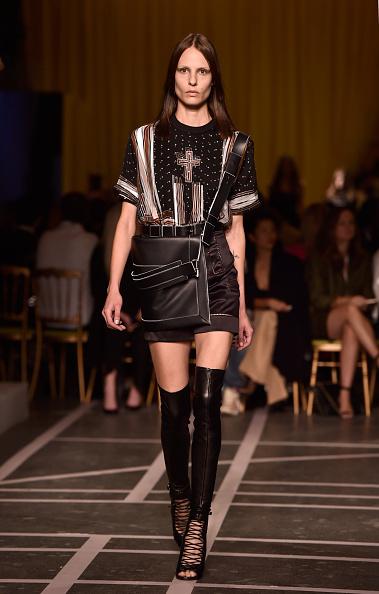 Новинки на Paris Fashion Week весна/лето 2015. Показ Givenchy. Фото: Pascal Le Segretain/Getty Images