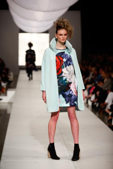 Модная зимняя одежда: стильные образы. Фото:  Phil Walter /Getty Images