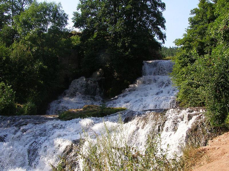 Джуринський водоспад. Фото: Petro Vlasenko/ru.wikipedia.org. Ліцензія: creativecommons.org/licenses/by-sa/3.0