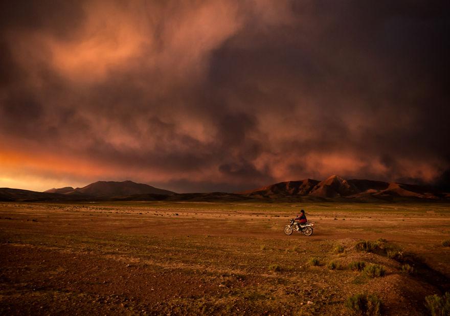Захід. Фото: boredpanda.com