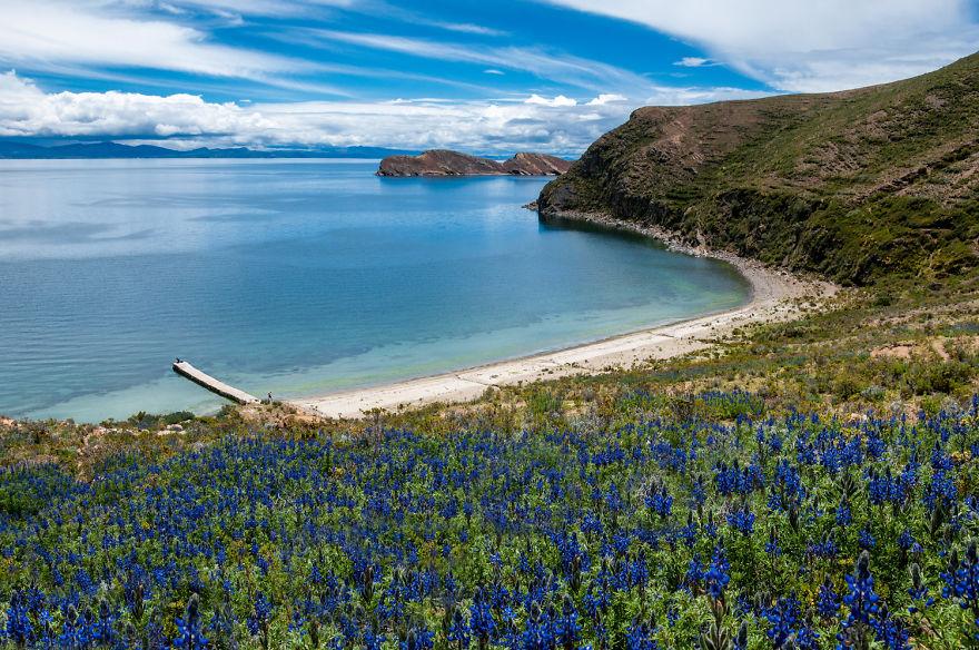 Озеро Титикака. Высота над уровнем моря – 3,8м. Фото: boredpanda.com