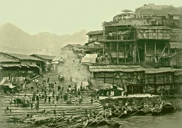 Будівлі на березі річки Янцзи в китайському місті Чунцін, знято в 1920-ті роки. Фото: Collection of Peter Shay