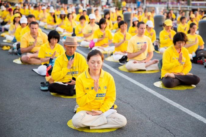 Святкування дня Фалунь Дафа в різних країнах світу, з 9 по 13 травня 2015 року. Фото: TheEpochTimes.com