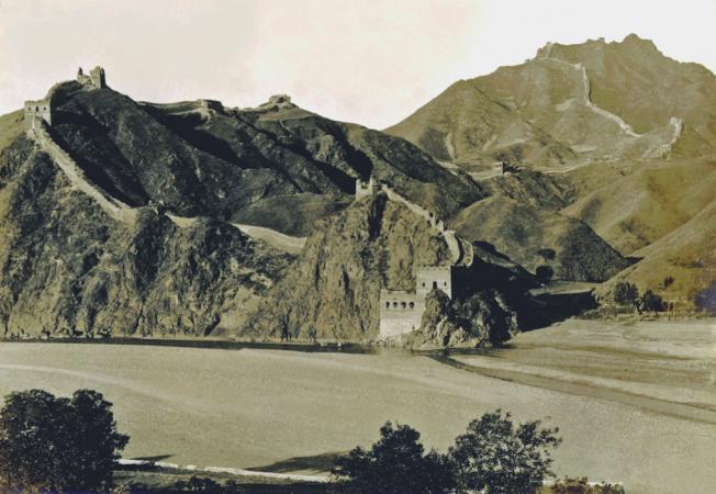 Вид на частину Губейкоу Великої Китайської стіни, знято в 1920-ті роки. Фото: Collection of Peter Shay