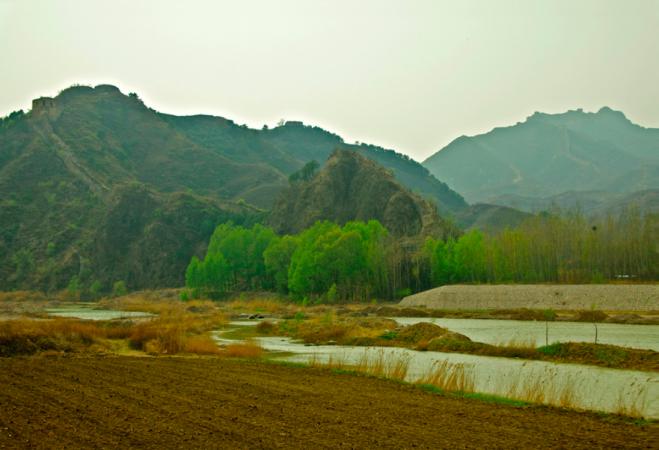 Вид на частину Губейкоу Великої Китайської стіни, знято Пітером Шеєм в квітні 2009 року. Фото: Courtesy of Peter Shay