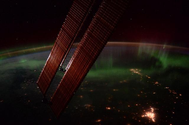 Северное сияние над Канадой. Фото: Tim Peake/ESA/NASA