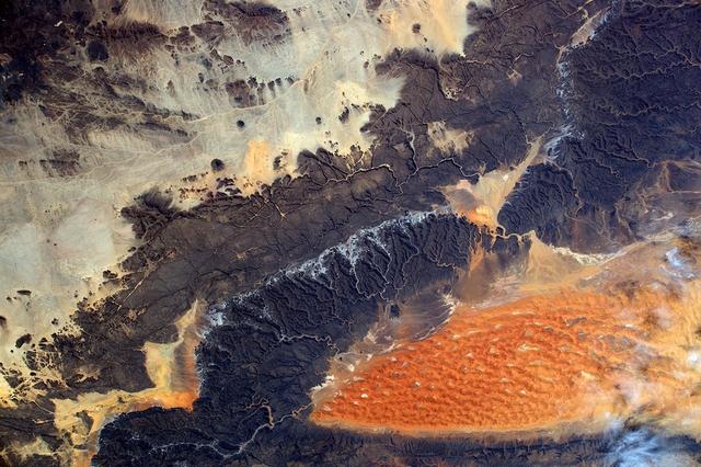 Місто Іллізі, Алжир. Фото: Tim Peake/ESA/NASA