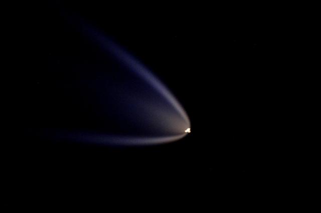 Пуск транспортно-грузового корабля Прогресс МС-02. Фото: Tim Peake / ESA / NASA