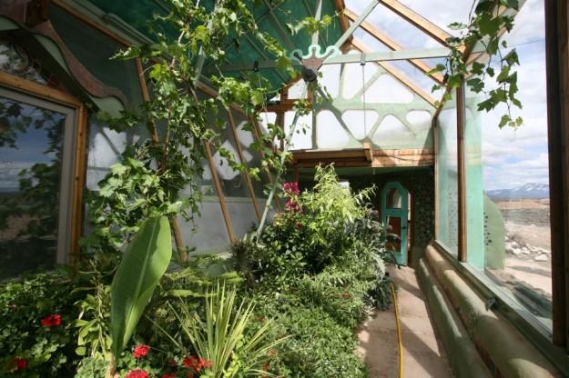 Фото: earthship.com