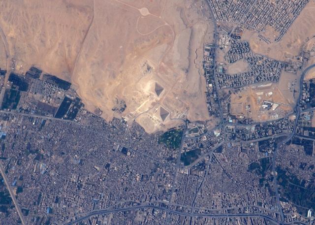 Египетские пирамиды. Фото: Tim Peake/ESA/NASA