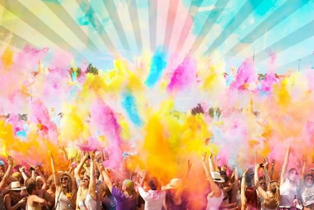 [11:17:50] EugeneDovbush: Фестиваль Холи. Фото: facebook.com/ColorFestUa