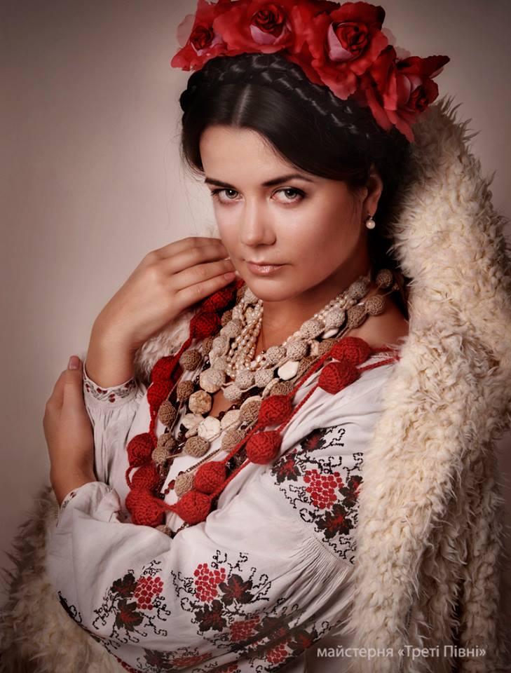 Магическая красота украинских женщин в проекте «Листи на фронт». Фото: facebook.com/TretiPivni