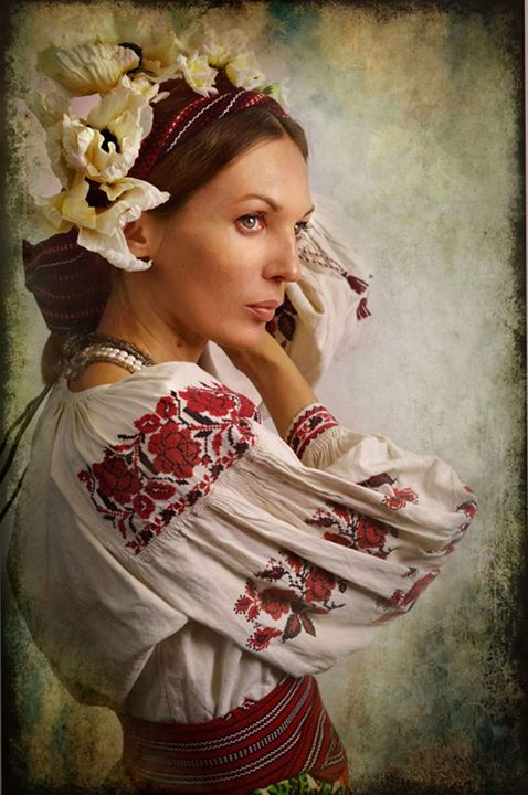Магічна краса українських жінок у проекті «Листи на фронт». Фото: facebook.com/TretiPivni