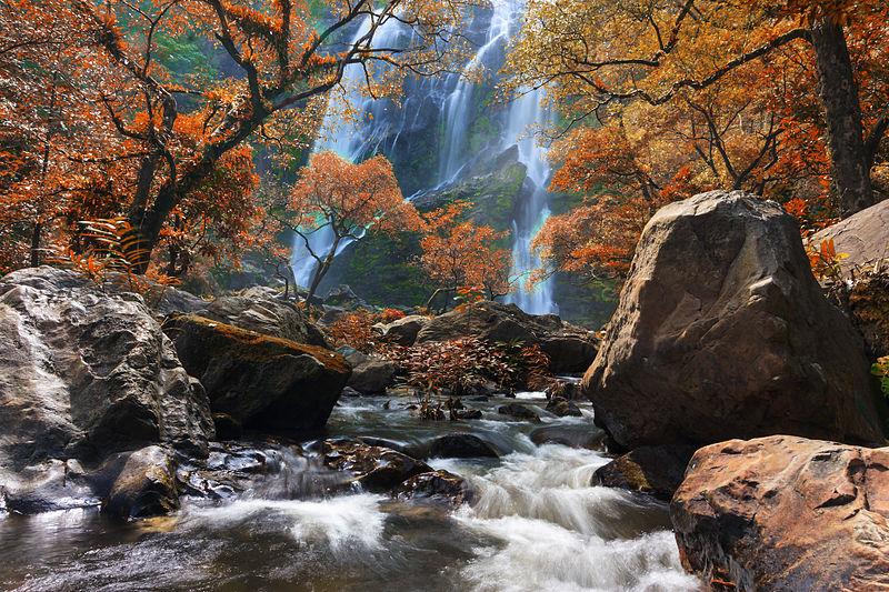 Дванадцяте місце: Водоспад Хлонг-Лан, Національний парк Хлонг-Лан, провінція Кампхенг-Хет, Таїланд. Фото: Khunkay/wikilovesearth.org.ua. Вільна ліцензія CC BY-SA 3.0