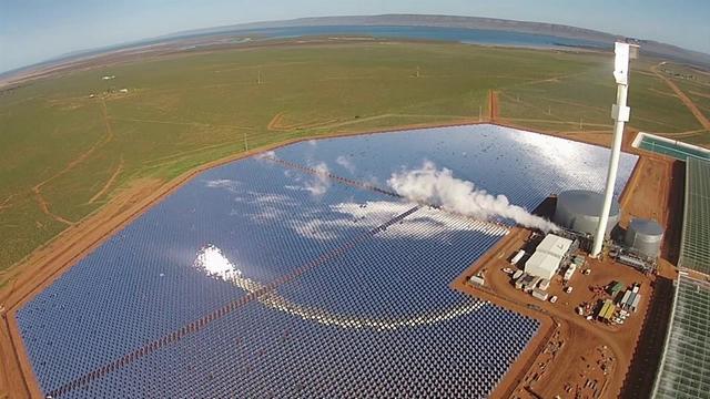 Найбільша екоферма побудована у пустелі Австралії. Фото: facebook.com/Sundrop-Farms