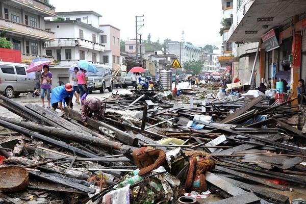 Наслідки тайфуну «Фанабі». Провінція Гуандун. Китайська Народна Республіка. Вересень 2010 р. Фото з epochtimes.com