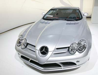 Модель авто Мерседес-Бенз (Mercedes-Benz SLR McLaren). Фото: Mark Renders/Getty Images