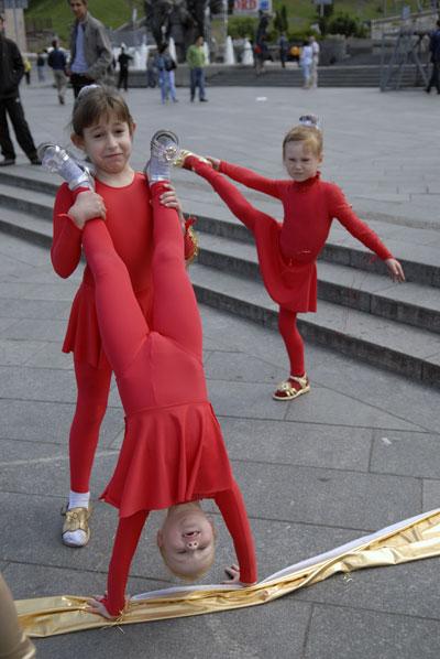 Карнавал детских творческих коллективов прошел по Хрещатику в субботу 6 июня. Фото: Владимир Бородин/The Epoch Times