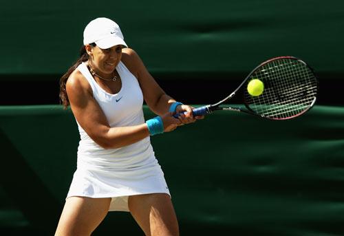 Француженка Марион Бартоли (Marion Bartoli) во время финальной игры на Уимблдонском турнире. Фото: Clive Brunskill/Getty Images