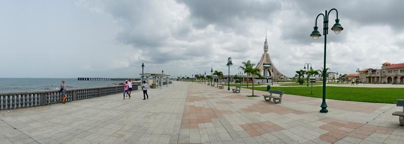 Набережна Бати. Фото: Олександр Африканець