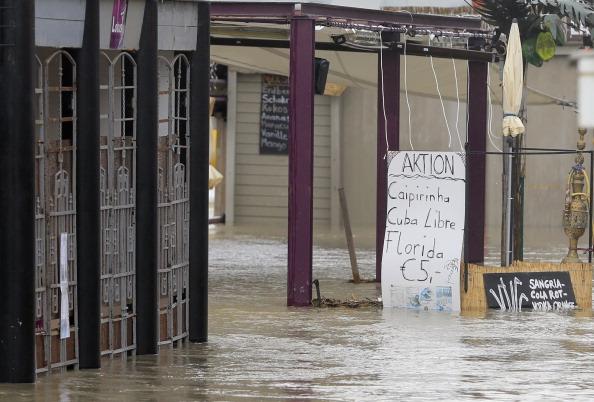 Затоплені бари та кафе у Відні, Австрія. Фото: ALEXANDER KLEIN/AFP/Getty Images