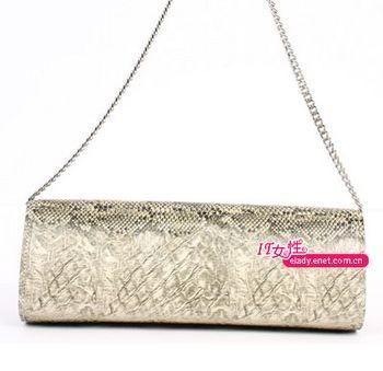 Вечерние сумочки - милый сердцу аксессуар. Фото с epochtimes.com