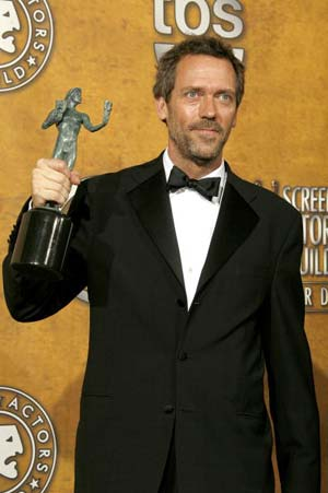 Хью Лори (Hugh Laurie) получил награду *за лучшее исполнение мужской роли в телесериале* *Хаус* (HOUSE). Фото: Vince Bucci/Getty Images