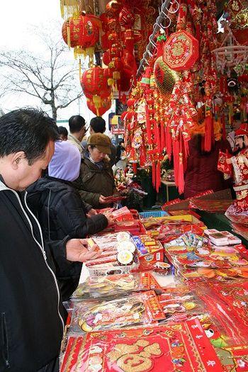 Множество сувениров, посвященных китайскому Новому году, продают в Нью-Йорке. Фото: Центральное агентство новостей