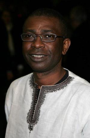 Композитор Йуссу Н'Дур (Youssou N'Dour) прибыл в Лондон на премьеру фильма Изумительное благоволение. Фото: Dave Hogan/Getty Images