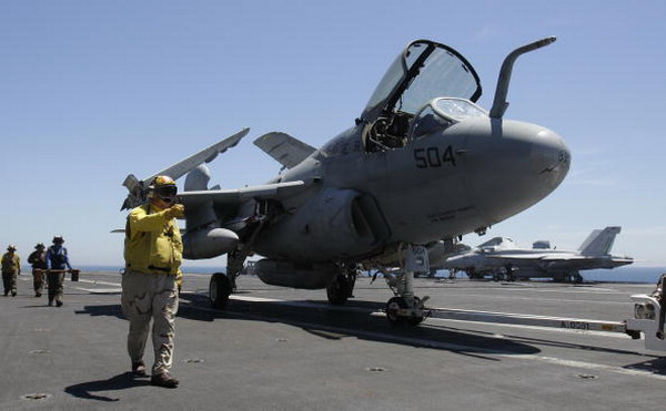 ВМС і ВПС США та Південної Кореї проводять спільні навчання в Японському морі. Фото: LEE JIN-MAN/AFP/Getty Images