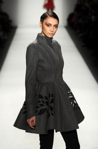 Коллекция Ирины Шабаевой была представлена на Mercedes-Benz Fashion Week 10 февраля в Нью-Йорке. Фото: Frazer Harrison/Getty Images for Mercedes-Benz