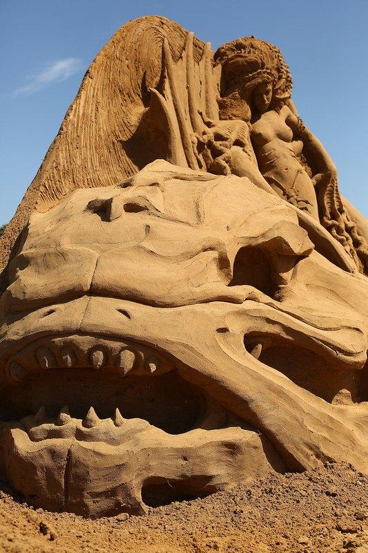 Піщана скульптура «Мертве море». Автор Сюзанна Рюзлер (Susanne Ruseler). Франкстон, Австралія. Фото: Graham Denholm/Getty Images