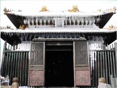 Золотий палац. Гори Уданшань. Фото з secretchina.com