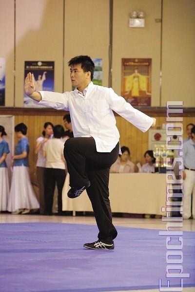 Выступление Лянь Тежуня, превосходного ученика школы Шаолинь Чаньцюань. Фото: Лянь Ли.The Epoch Times