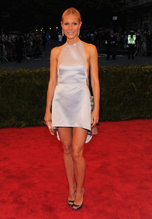 Акторка Гвінет Пелтроу у сукні Prada. Фото: Larry Busacca/Getty Images