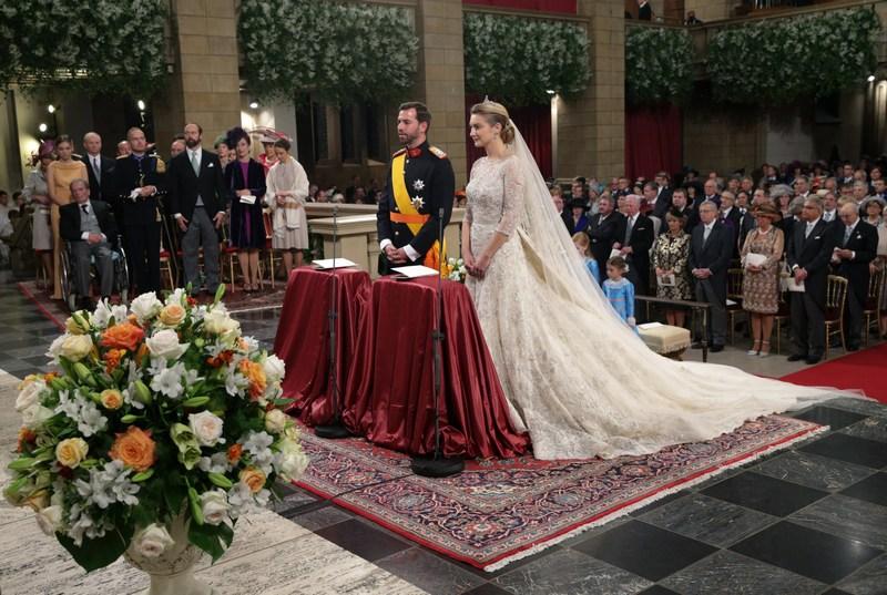 Люксембург, 20жовтня. Останній холостий принц Європи 30-річний Великий Герцог Люксембургу Гійом одружився на 28-річній бельгійській графині Стефанії де Ланнуа. Фото: Guy Wolff/Grand-Ducal Court of Luxembourg via Getty Images