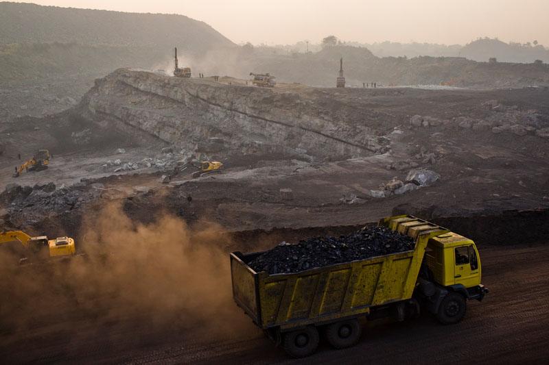 Карьер в посёлке Джина Гора, месторождение Джхария, Индия. Фото: Daniel Berehulak/Getty Images