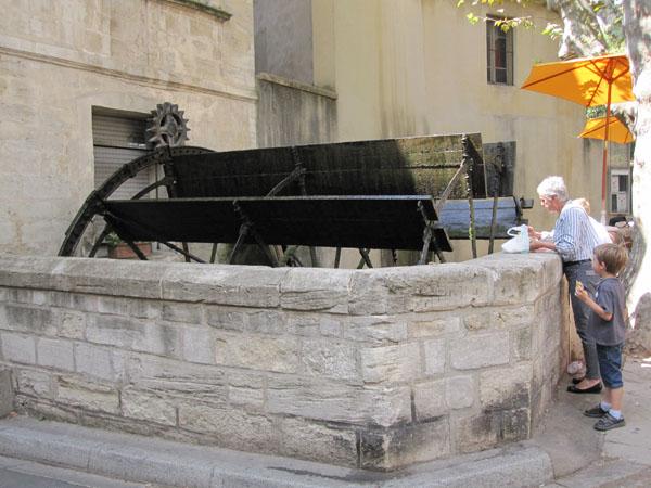 Колесо мельницы, улица Тантюрье, Avignon, FRANCE. Фото: Ирина Лаврентьева/Великая Эпоха