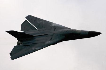 Истребитель F-111 участвует в международном авиашоу. Фото: Mark Dadswell/Getty Images