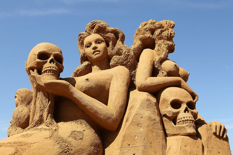 Піщана скульптура «Русалки». Автор Карен Фрале (Karen Fralich). Франкстон, Австралія. Фото: Graham Denholm/Getty Images