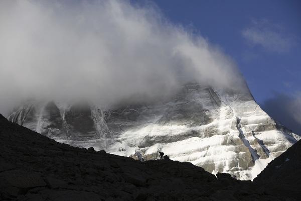 На протяжении тысячелетий Кайлас считается священной горой у всех народностей. Фото: China Photos / Getty Images