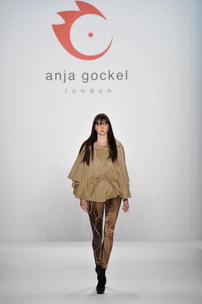 Презентація колекції від Anja Gockel на Тижні моди Mercedes-Benz у Берліні. Фото Gareth Cattermole / Getty Images