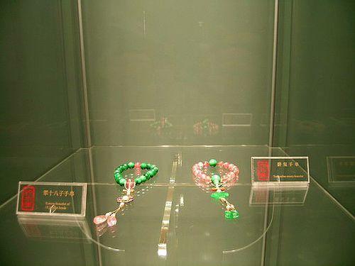 Бирюзовые браслеты. Фото с secretchina.com