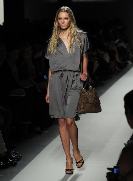 Презентация Коллекции Bottega Veneta Весна / Лето 2011 в Милане. Фото Tullio M. Puglia/Getty Images